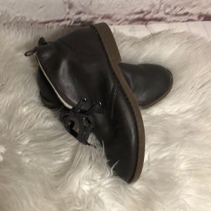 GAP KIDS FAUX LEATHER DESERT BROWN BOOTS